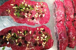 Beef Rolls with Raisins and Pine Nuts
