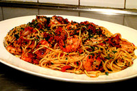 Shrimp with Linguini and Tomato